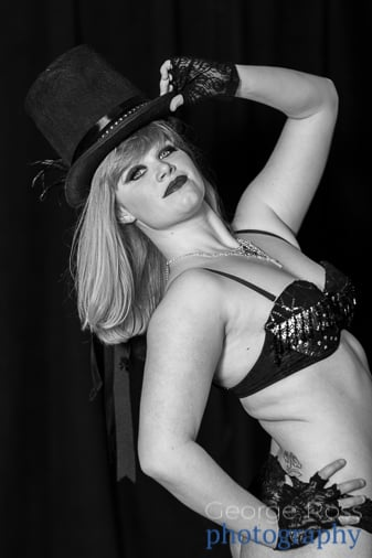 burlesque performer wearing a fosse top hat