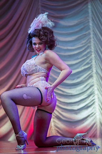 Mika Romantic, burlesque performer