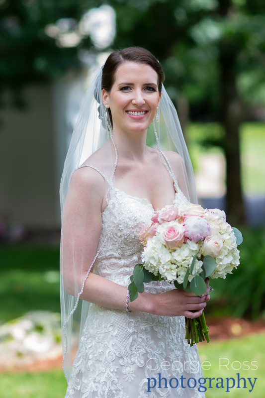 bride holding her bouquet of flowers