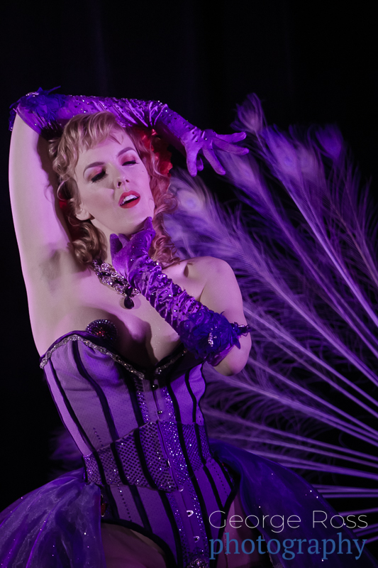 A burlesque performer at the 2016 Burlesque Exposition held in Boston.